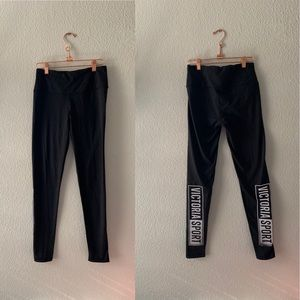 Victoria Sport Side Text Mid Rise Leggings Small